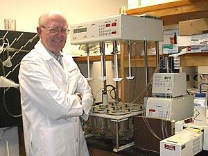 Larry L Augsburger